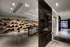 Gallery of Skechers TR Casual Showroom / Zemberek Design - 17