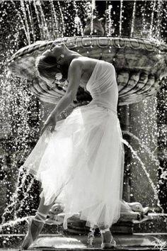 ,Dance! Fountain of joy!