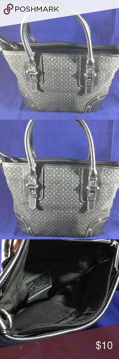 "Relic bag Medium size bag,zipper to close ,good condition, Measures 9""x8""x5"",inside pockets. Relic Bags Satchels"