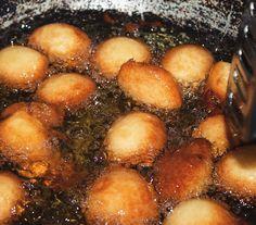 C'est l'heure du goûter: Le GBOFLOTO est dans l'huile! [http://ift.tt/1muGPNP] #IvorianFood toujours! #Fb