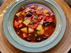 Gronnsaksuppe med rode bonner 200 Calories, Garam Masala, Chili, Soup, Red Peppers, Chili Powder, Chilis, Soups, Chile