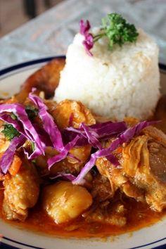10 Cuban Recipes Straight From Abuelita's Cookbook Pollo Guisado Recipe, Puerto Rican Recipes, Mexican Food Recipes, Ethnic Recipes, Dinner Recipes, Dinner Ideas, Arroz Con Gandules, Caribbean Chicken, Gastronomia