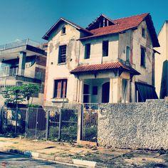Abandoned house at Jose do Patrocinio street, Sao Paulo - Brazil