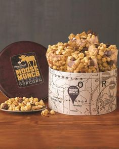 Harry and David Moose Munch Gourmet Popcorn Gift Tin Moose Munch Popcorn Recipe, Popcorn Tin, Gourmet Popcorn, Gourmet Gifts, Gourmet Recipes, Best Food Gifts, Food Gift Baskets, Christmas Food Gifts, Christmas Place