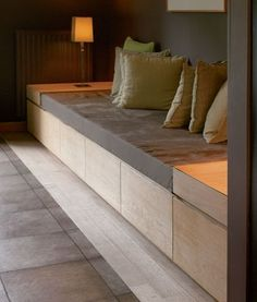 Fireplace seating/Bench with storage space Living Room Designs, Living Spaces, Built In Sofa, Muebles Living, Small Space Interior Design, Window Benches, Banquette Seating, Diy Sofa, Home And Living