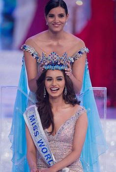 Manushi Chhillar (Miss World is an Indian model and beauty pageant. She is the sixth Indian women after Priyanka who was crowned as Miss World Actress Priyanka Chopra, Bollywood Actress, Bollywood Fashion, Miss Mondo, Estilo India, Amitabha Buddha, Miss India, Miss World, Beauty Pageant