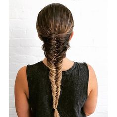 N Y E #hairinspo! Talented @laura.jean.hmu created this fishtail beauty using #ShuUemura #VolumeMaker #LiquidFabric and #EssenceAbsolue Oil on hair ends and through the #braid. . . . . #artofhair #newyearshair #haircrush #hairinspo #creativehair #braids #hairbraid #braidgoals #hairtrend  #hairgamestrong #hairlove #salonstyle #shustyle #Tokyovibe #instahair #hairgoals #nye #nyehair