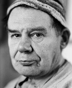 Johann Korec (1937-2008), fotografiert 1993. #artbrut #gugging Foto (c) Martin Vukovits Art Brut, Outsider Art, Lee Jeffries, Che Guevara, Vienna, Pose Reference, Museum, Art, Kunst
