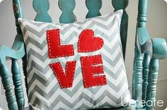 DIY The 10 Minute Throw Pillow Cover