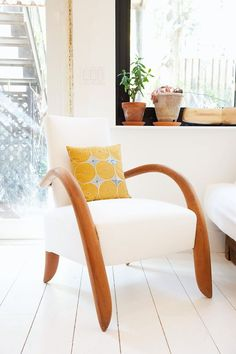 Beautiful chair!!!  Source:  lyndsay caleo & and fitzhugh karol « the selby