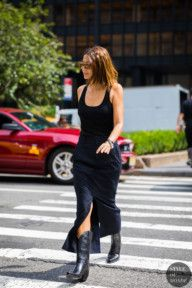 New York SS 2018 Street Style: Christine Centenera - Fashion Street Style 2018, Looks Street Style, Street Style Trends, Looks Style, Street Chic, Cowboy Boot Outfits, Black Cowboy Boots, Botas Western, Christine Centenera