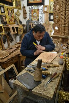 wood craft in cusco