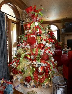 Fabulous red and green tree!