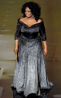 Oprah Winfrey she looks so beautiful in that dress