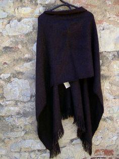 Capes & Ponchos - Handgewebter Poncho - ein Designerstück von…