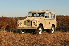 Classic Land Rover Series III - perfect beige with white wheels