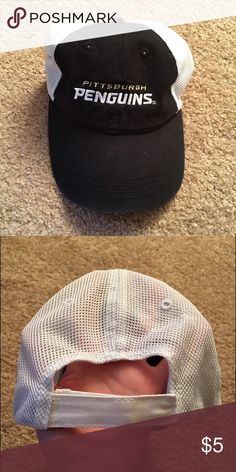 Pittsburgh Penguins hat Never worn; Pittsburgh Penguins Hat with velcro strap in the back Accessories Hats