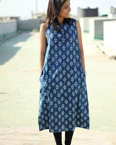 #onsale Indigo printed cotton pocket dress. When you choose a Warm regards outfit, you can rest assured that it is ethically made with absolute integrity.  Originally priced at 2900 INR it's up for sale at 1600 INR. (24 $) Size : Small and Medium Free shipping in India. An additional 200 INR for worldwide shipping. #summer #spring #sale #worldwideshipping #ethicalfashion #womenswear #clothing #lifestyle #cotton #sleeveless #indigo #print #pocket #dress #effortless #minimalistic #chic…