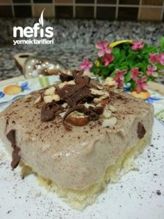 Exquisite Summer Cake with Coffee Cream (very Light) Source by Summer Cakes, Summer Desserts, Light Desserts, Coffee Cream, Food And Drink, Cooking Recipes, Pudding, Cupcakes, Cookies