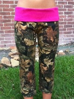 camo yoga pants. @Annika Staalsen you need these. Got that 11 out of 10