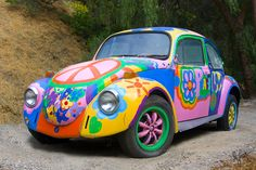 My dream car! I will have one someday. The license plate will be HUGABUG if possible. Not sure how I want it painted, but a life long dream. Bus Vw, Auto Volkswagen, Vw T1, Hippie Auto, Hippie Car, Hippie Style, Mercedes Auto, Mundo Hippie, Estilo Hippie