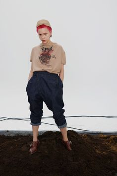 Vivienne Westwood Spring 2019 Ready-to-Wear Fashion Show Collection: See the complete Vivienne Westwood Spring 2019 Ready-to-Wear collection. Look 57 Vivienne Westwood Shop, Fashion Show Collection, Men's Collection, New Wave, Fashion Pictures, Couture Fashion, Business Women, Ready To Wear, Vogue