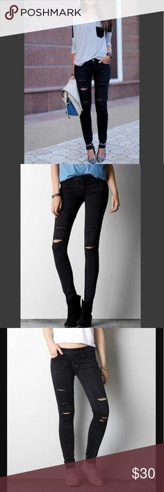 "American Eagle Women's Ripped Black Jeggings American Eagle Women's Ripped Black Jeggings Size: Small Color: Black Super Stretchy Legging Jeans ""Jeggings"" American Eagle Outfitters Jeans Skinny"