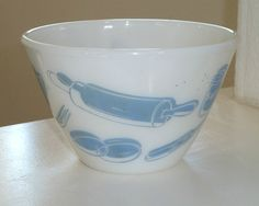 RARE Fire King Turquoise Blue Kitchen Aids 2 Qt Splashproof Mixing Bowl Utensils | 315