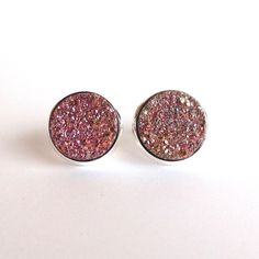 Every girl needs a little extra sparkle in her life... Loving these druzy studs!