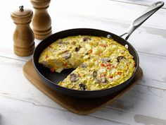 Hearty Chicken and Vegetable Frittata Recipe from AllWhites and Better'n Eggs Diabetic Recipes, Cooking Recipes, Healthy Recipes, Egg White Recipes, Healthy Snacks, Healthy Life, Healthy Eating, Vegetable Frittata, High Protein Recipes