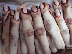 Marzipan finger for Halloween Halloween Finger Cookies, Zombie Halloween Party, Halloween Inspo, Halloween Dinner, Halloween Food For Party, Fall Halloween, Halloween Crafts, Halloween Decorations, Halloween 2018
