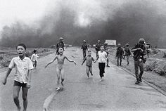 """Nick Ut is the Pulitzer Prize-winning AP photojournalist who shot the iconic Vietnam War photo that most people refer to as """"Napalm Girl"""". PetaPixel: Can you tell me a little abo. Napalm Girl, Fotojournalismus, World Press Photo, Vietnam Voyage, Vietnam Travel, Vietnam War Photos, South Vietnam, Saigon Vietnam, Rule Of Thirds"""