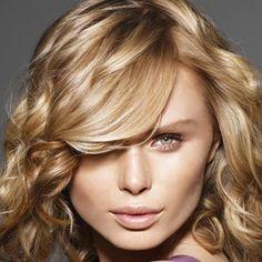Belirgin röfleler yerini sıcacık doğal sarı tonlara bırakıyor...   #hair #care #beauty #beautiful #haircut #hairstyle #fashion #hairfashion http://www.handehaluk.com