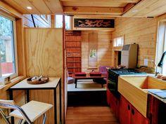 japan tiny apartments - Ricerca Google Tiny House Loft, Tiny House Living, Tiny House Plans, Tiny House Design, Tiny House On Wheels, Tiny Houses, Japanese Tiny House, Tiny Home Office, House Plans 3 Bedroom