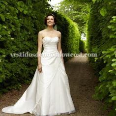 Vestido de Noiva em Tafetá e Tule