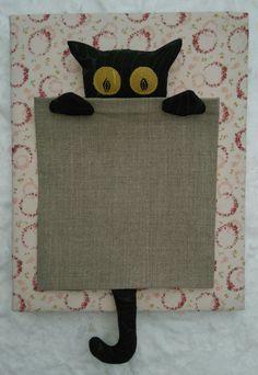 Minne kissa katosi - tasku kassiin, kissa taskun koko n. 30 x 18 cm, puuvilla, pellava, applikointi liimaharsolla ja vanua, marraskuu 2016