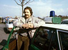 """Er war der ewige Schimanski - und doch war Götz George so viel mehr. Die Rolle des raubeinigen """"Tatort""""-Kommissars verfolgte ihn über Jahrzehnte. Aber unbestritten war George einer der größten deutschen Schauspieler."""