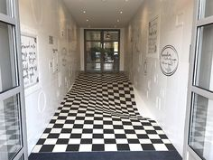 Small hall design ideas images wallpaper peppy hallway spray full size of grace and elegance idea . amazing ideas for decoration of small hallways Hall Design, Floor Design, Cool Optical Illusions, Art Optical, Hall Flooring, Hallway Designs, Hallway Ideas, Hallway Art, Tiled Hallway
