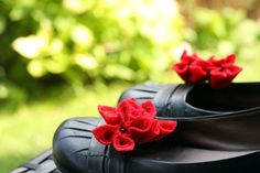 Red Felt Flower Shoe Clips by GoodFloristDesign on Etsy