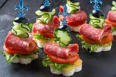 Μικρά+μεζεδάκια+της+στιγμής!+7+ιδέες+για+fingerfood+για+να+μην+περνάς+ώρες+στην+κουζίνα+ Sandwiches, Afternoon Tea, Finger Foods, Sushi, Party, Brunch, Ethnic Recipes, Google, Salami Recipes