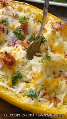 Make this delicious bacon au gratin spaghetti squash for a dinner side dish. Keto low carb dinner idea! Taste soo good.