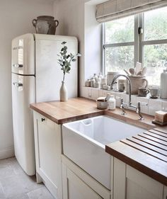 Love Joanna Gaines's style aesthetic? Flip through for homes that have that same… Love Joanna Gaines's style aesthetic? Flip through for homes that have that same…,Home Love Joanna Gaines's style aesthetic? Flip through for. Home Decor Kitchen, Home Kitchens, Diy Kitchen, Small Kitchens, Rustic Kitchen, Vintage Kitchen, Cute Kitchen, Awesome Kitchen, Farm Kitchen Ideas