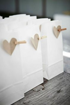 A Gift Wrapped Life - Gifting Tips, Advice and Inspiration: simple summer beauty............in gift wrapping