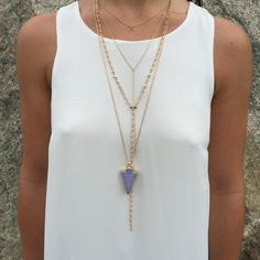 Start layering those necklaces girl! #goldvibes #ootd #jewlery