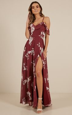Sway Away maxi dress in Wine Floral Unique Outfits, Pretty Outfits, Pretty Dresses, Pretty Clothes, Long Dresses, Floral Bridesmaid Dresses, Floral Maxi Dress, Bridesmaids, Red Wrap Dress
