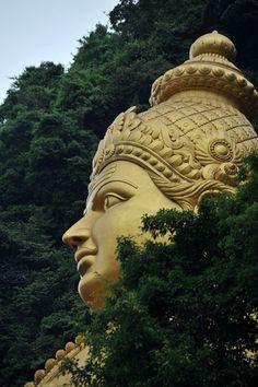 Buddha Statues Buddhism - - Statues Of Liberty Poem - - Statues Quotes Words - Broken Marble Statues Angel Statues, Buddha Statues, Kali Shiva, Zeus Statue, Lord Murugan Wallpapers, Om Namah Shivaya, Hindu Deities, God Pictures, Indian Gods