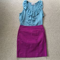 Ann Taylor Madison Skirt Like new Ann Taylor Madison skirt with pockets on side and back. Ann Taylor Skirts Mini
