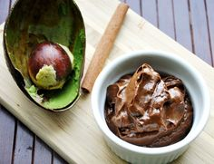 Avocado Mousse, Avocado Pudding, Nutella, Healthy Breakfast Snacks, Unsweetened Cocoa, Delicious Chocolate, What To Cook, Vegan, Melting Chocolate