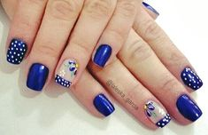Unhas decoradas com flores Polka Dot Nails, Blue Nails, My Nails, Diy Beauty Nails, Dot Nail Designs, Celebrity Beauty, Nail Trends, Make Up, Tattoos