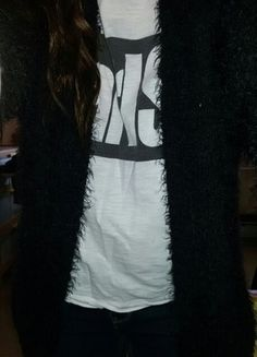 Kupuj mé předměty na #vinted http://www.vinted.cz/damske-obleceni/cardigany/8550302-stylovy-cerny-chlupaty-cardigan